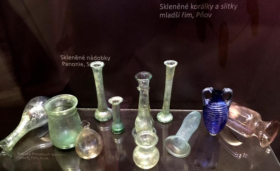 Skleněné archeologické nálezy z doby římské